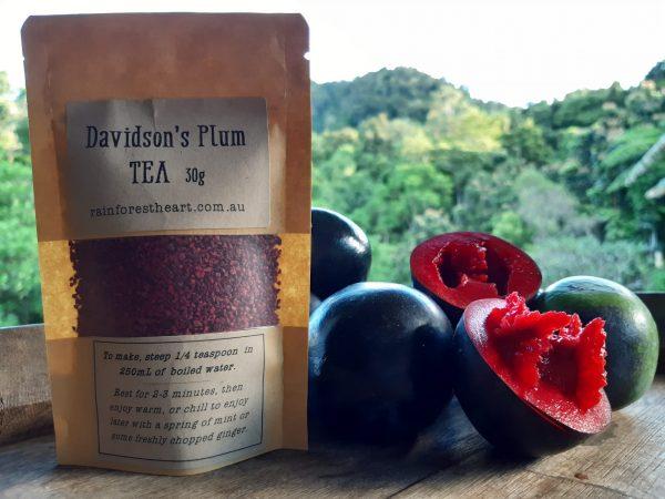Fresh fruit and dried tea granules